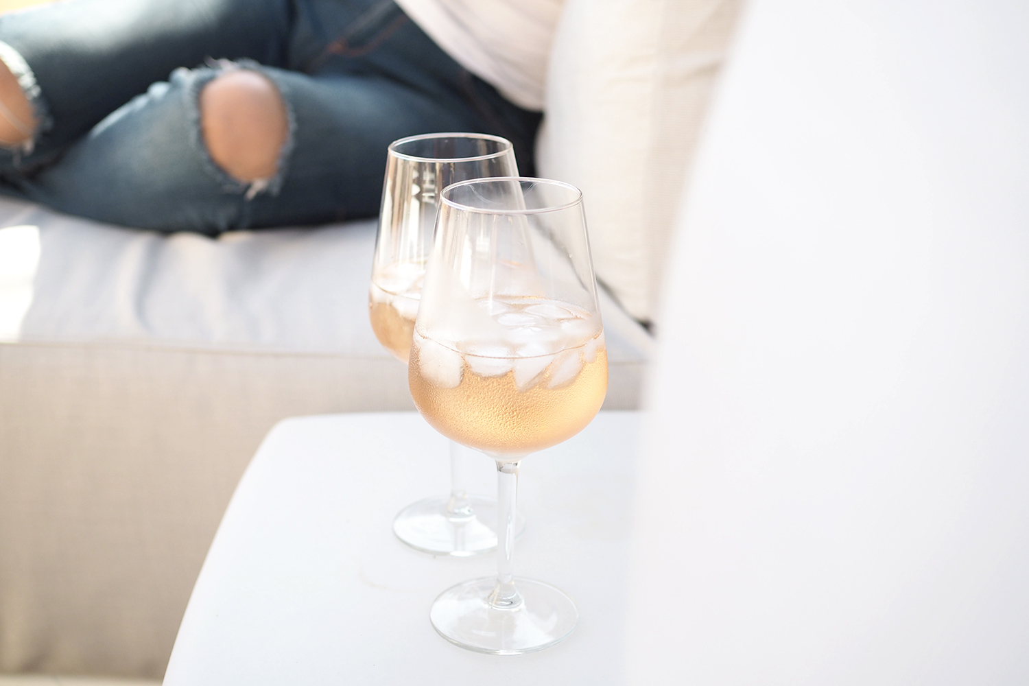 Char and the city - After beach rosé at the terrace lounge in Villefranche-sur-Mer in the French Riviera - read more on the blog