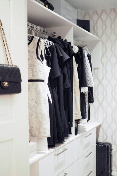 C and the city - Our walk in closet (WIC) - read more on the blog: //www.idealista.fi/charandthecity/2017/02/07/esittelyssa-vaatehuone