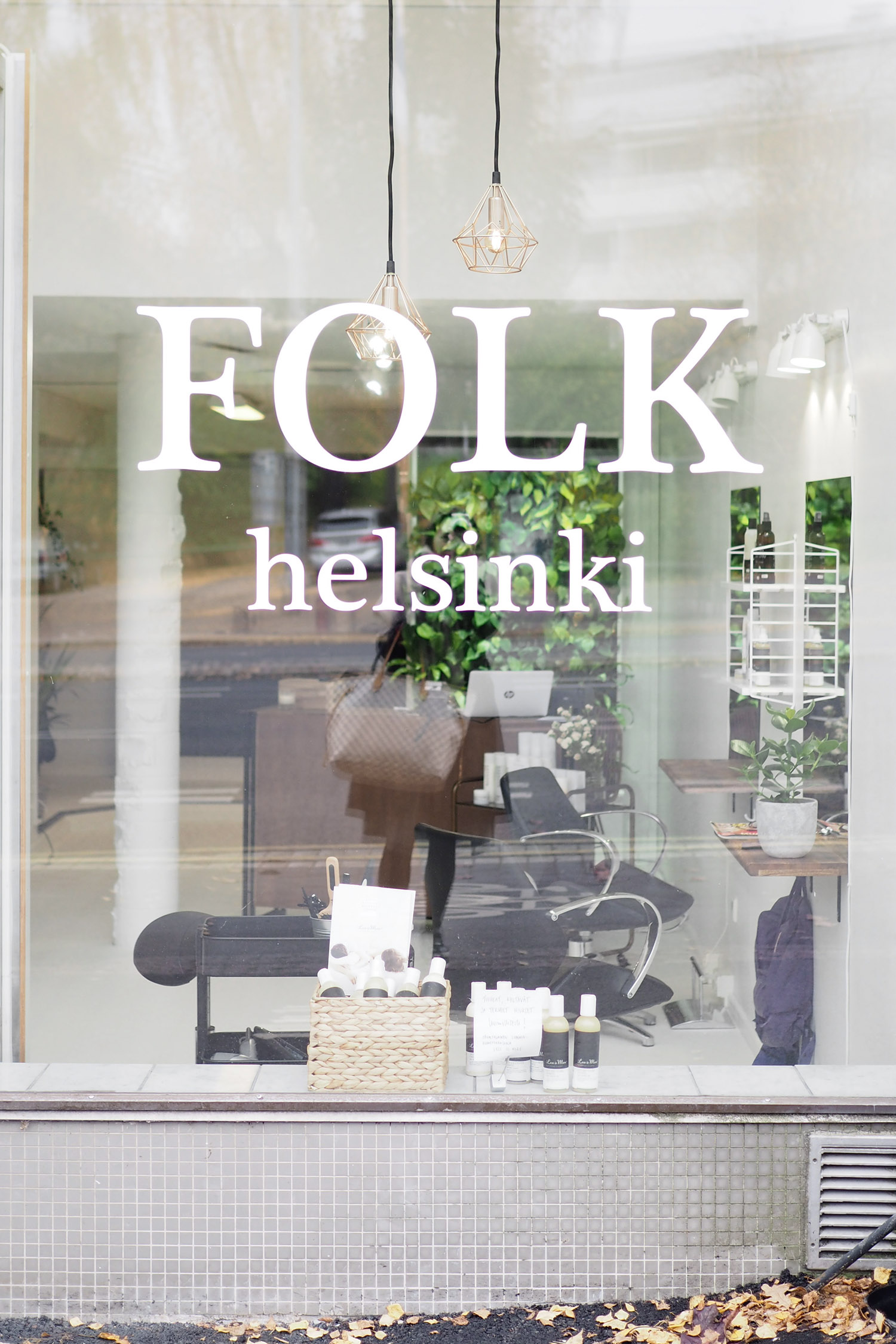 Char and the city, Folk Helsinki, Lauttasaari, Mari - hiukset, kampaamo, balayage, glossing, olaplex, ombre