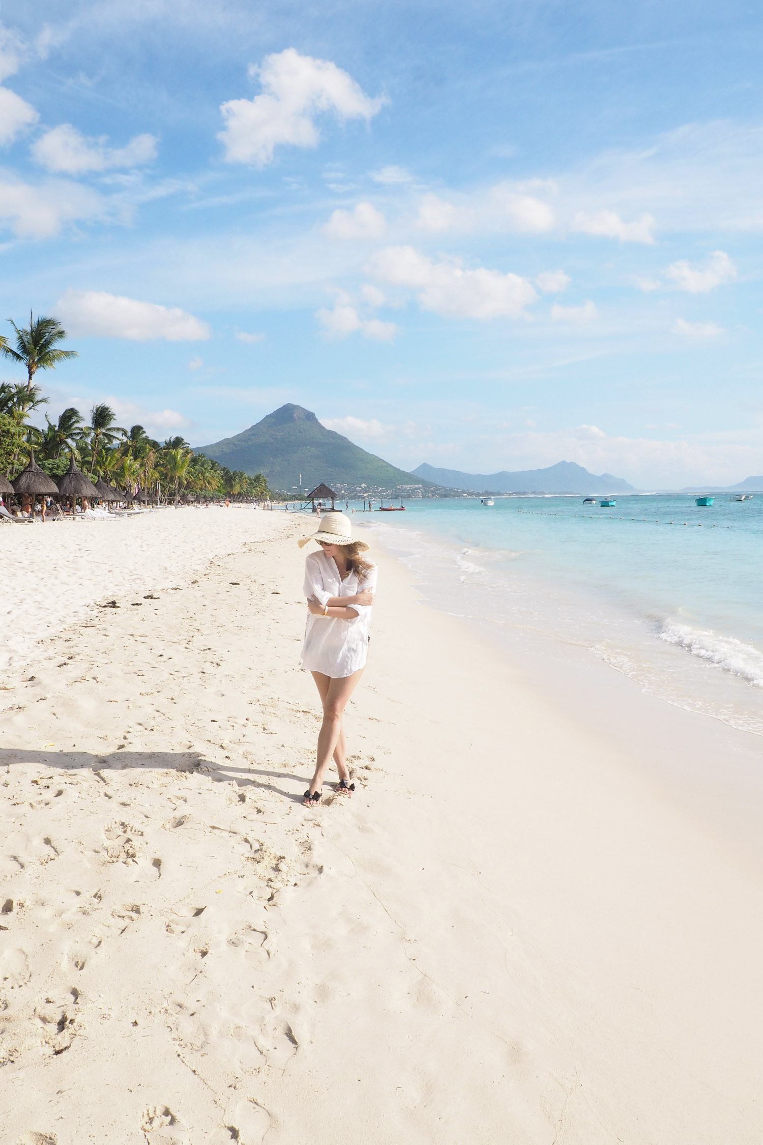Char and the city, Mauritius, Flic en Flac beach, La Pirogue Hotel